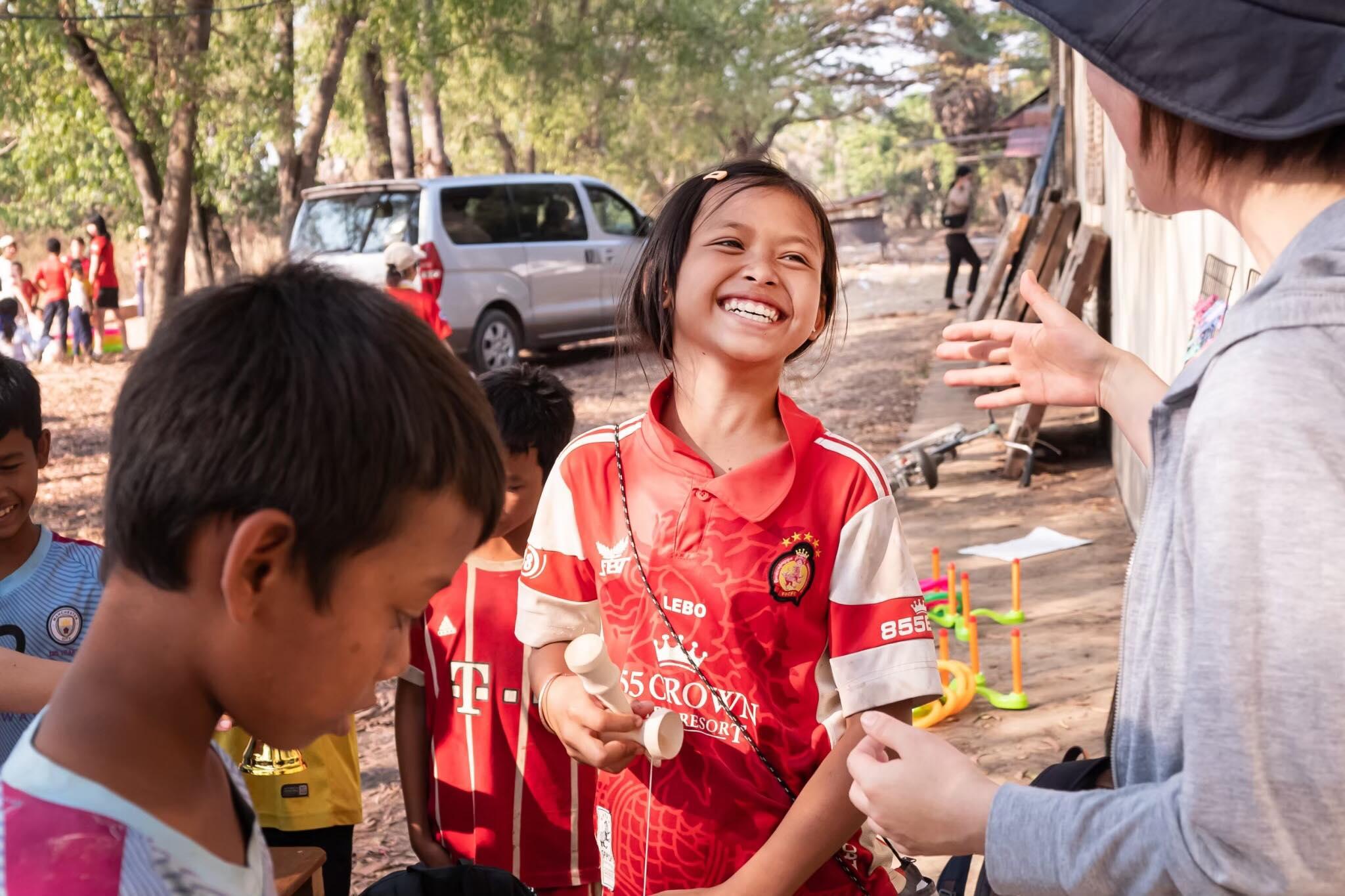 """Vol.45<br>カンボジアの子供たちから学ぶ、お金では得られない""""幸せ""""とは?<br>[今福 彩夏]"""
